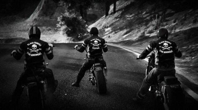 Juillet 2017 - Page 3 Crew-bikers-03